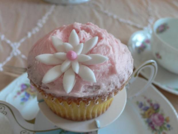 Cupcake mit Fondantblume